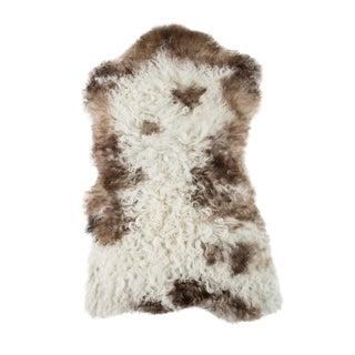 "Contemporary Hand-Tanned Sheepskin Pelt Rug - 2'0""x3'2"" For Sale"