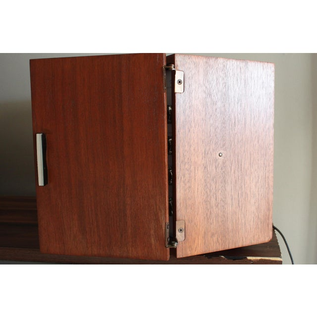 1960s Vintage Panasonic Solid State Amfm Transistor Radio Model #Re-7487 With Refinished Teak Cabinet For Sale - Image 5 of 10