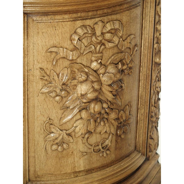 """Richly Carved French Hunt Buffet """"St. Hubert"""" in Blonde Oak, Circa 1890 For Sale - Image 12 of 13"""
