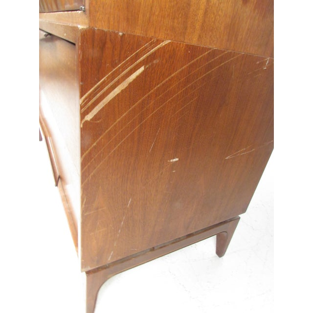 Impressive Mid-Century Modern Walnut Armoire For Sale In New York - Image 6 of 12