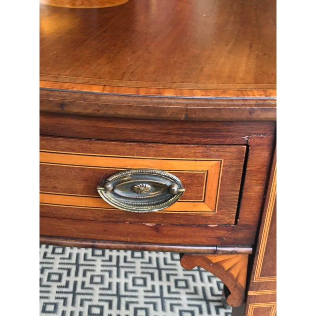 19th Century Traditional Mahogany Drop Leaf Oval Side Table For Sale - Image 4 of 11
