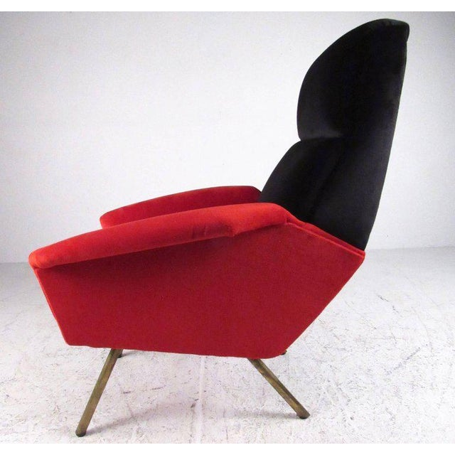 Italian Modern Sculptural Lounge Chairs - A Pair For Sale In New York - Image 6 of 11
