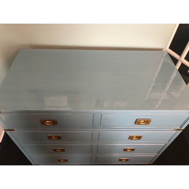Offered is a vintage solid wood bachelors chest by Thomasville. This campaign style chest has four smooth gliding drawers,...