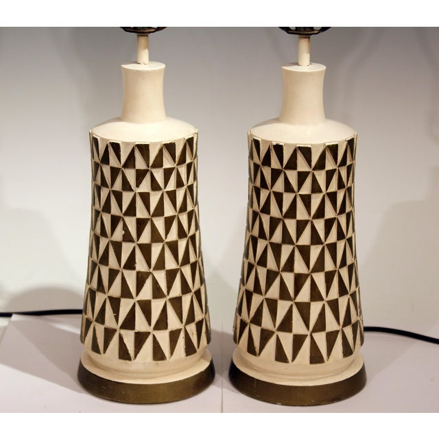 1960s Vintage Faip Mid-Century Modern Geometric Plaster Chalkware Table Lamps - a Pair For Sale - Image 4 of 11