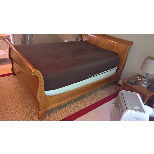 Ethan Allen Legacy Queen Sleigh Bed - Image 3 of 9
