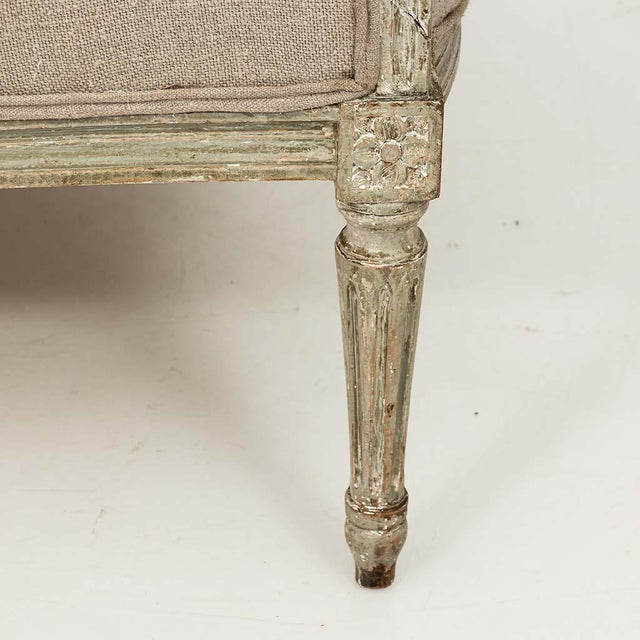 French Louis XVI Style Marquise Loveseat in Natural Linen For Sale - Image 9 of 13