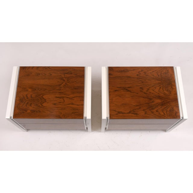 Pair of White Lacquered Glenn California Nightstands For Sale In Los Angeles - Image 6 of 11