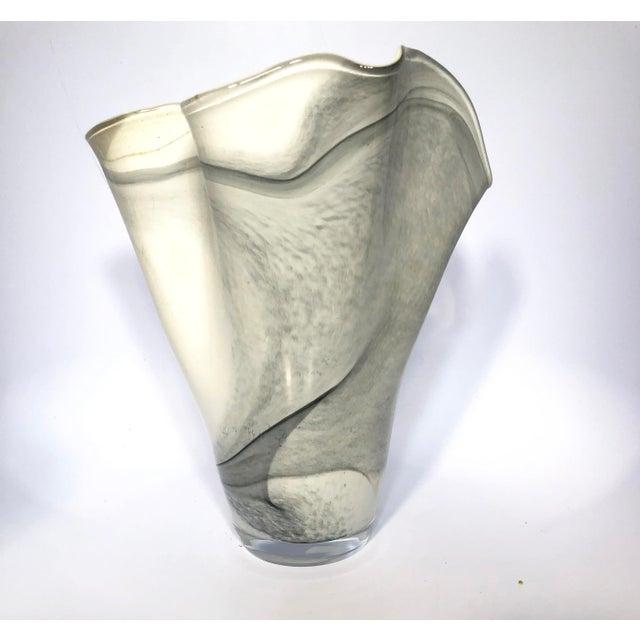 Art Glass Hand-Blown Polish Glass Handkerchief Vase For Sale - Image 7 of 8