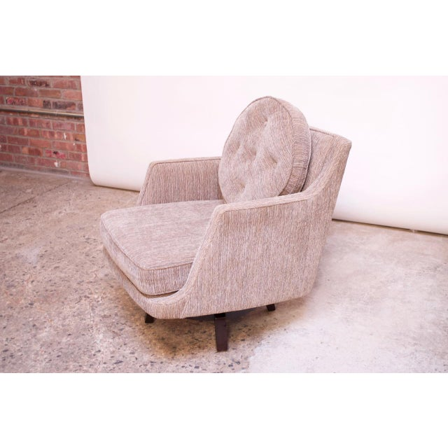 Dunbar Furniture Edward Wormley for Dunbar Revolving Lounge Chair in Mahogany For Sale - Image 4 of 13
