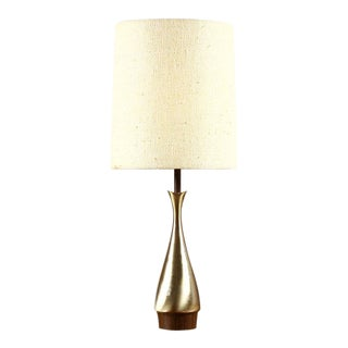 Mid Century Vintage Laurel for Tony Paul Brass & Walnut Table Lamp For Sale
