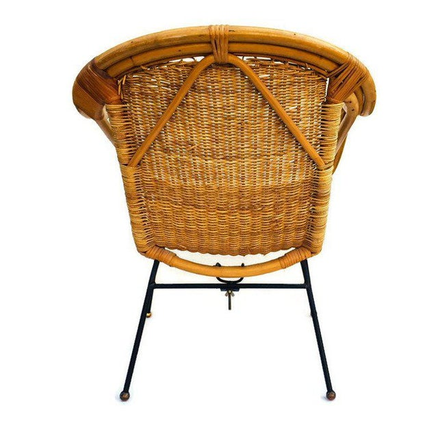 Mid Century Rattan & Sculpted Bamboo Hoop Chair Cast Iron Legs For Sale In Richmond - Image 6 of 11