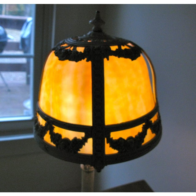 Cream Iron and Brass Slag Glass Lamp - Image 4 of 8