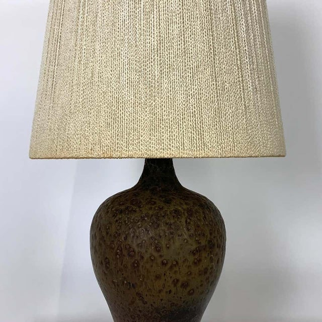 Mid-Century Modern Signed Lee Rosen Design Technics Textured Glaze Ceramic Lamp with Original Shade For Sale - Image 3 of 8