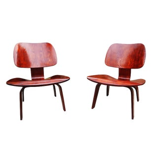 Mid-Century Modern Charles Eames Plywood Lounge Chairs - A Pair For Sale