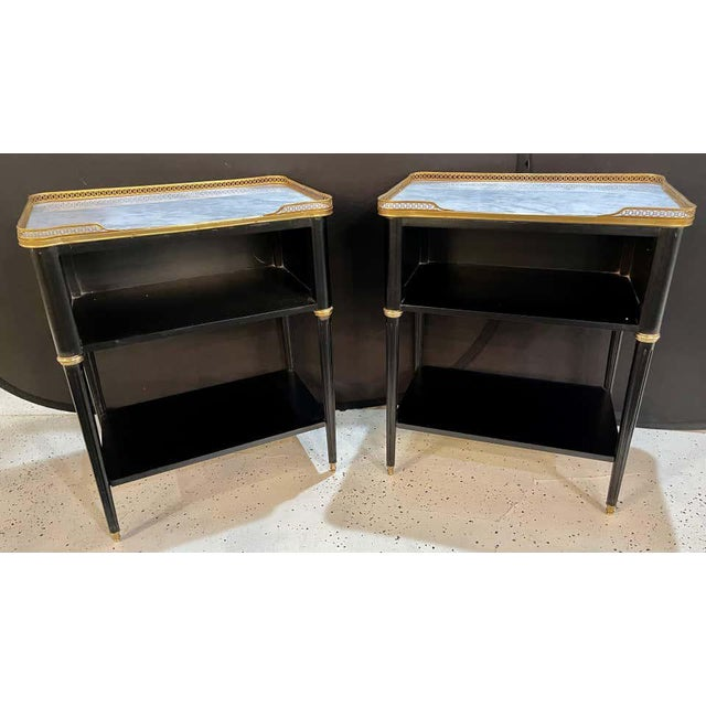 Hollywood Regency Pair of Hollywood Regency Nightstands or End Tables in the Manner of Jansen For Sale - Image 3 of 13