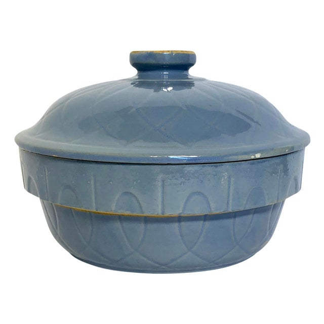1930s Vintage Watt Pottery Blue Loops Covered Casserole For Sale
