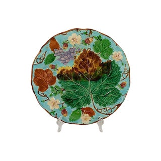 Josiah Wedgwood Turquoise Grape Leaf & Strawberry Plate For Sale