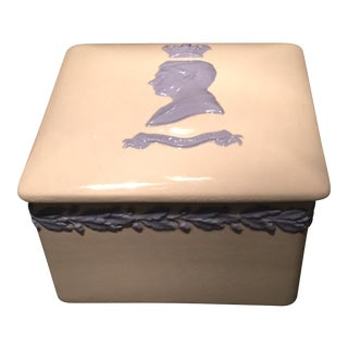 1937 Wedgwood White and Blue Queensware Jewelery Box