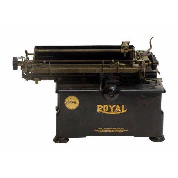 Vintage Royal Regal Typewriter - Image 8 of 9