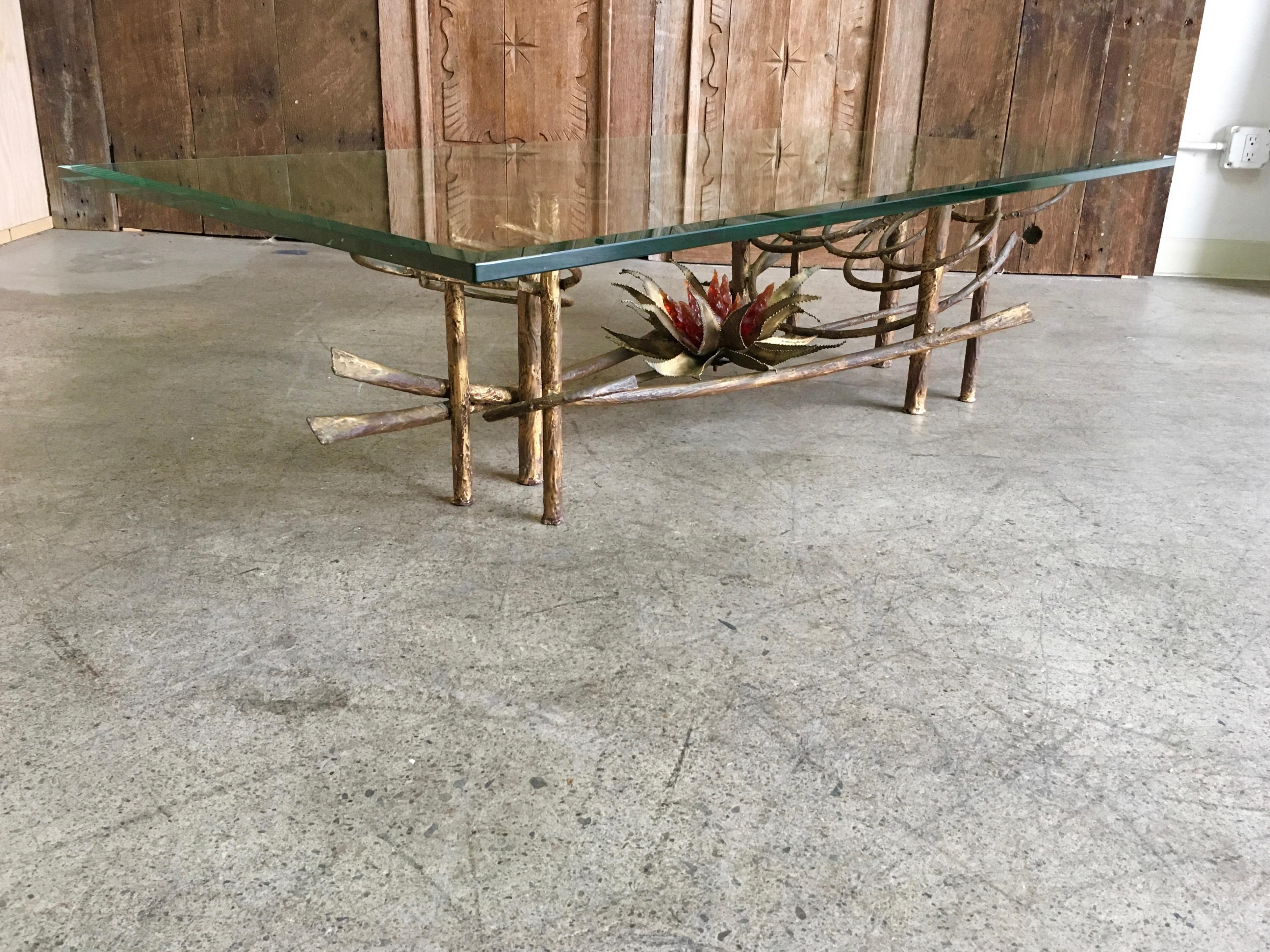 Incroyable Silas Seandel Style Gilt Metal Coffee Table For Sale   Image 10 Of 10