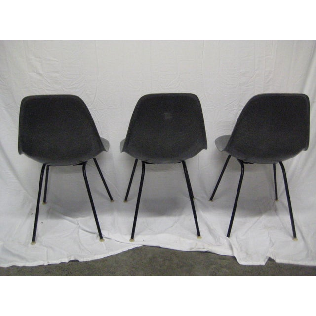 Mid-Century Modern 1957 Mid-Century Modern Charles Eames Fiberglass Chairs - Set of 3 For Sale - Image 3 of 11