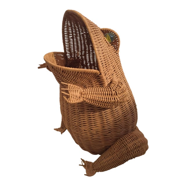 Vintage Wicker Frog Basket For Sale