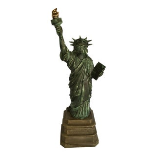 Vintage Ceramic Statue of Liberty Light For Sale