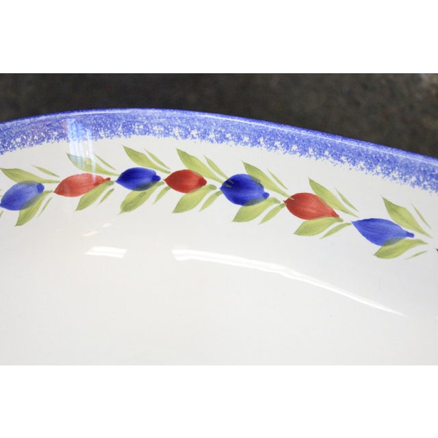 Traditional 1960s Floral Pattern Quimper Bowl For Sale - Image 3 of 7