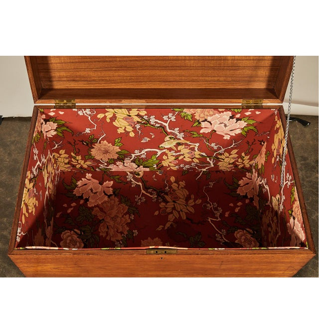 19th Century English Trunk With Brass Corners For Sale - Image 5 of 7
