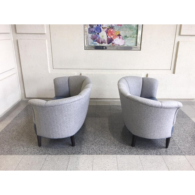Slagelse Mobelvaerk Reupholstered Danish Channel-Back Settees - A Pair For Sale In New York - Image 6 of 12
