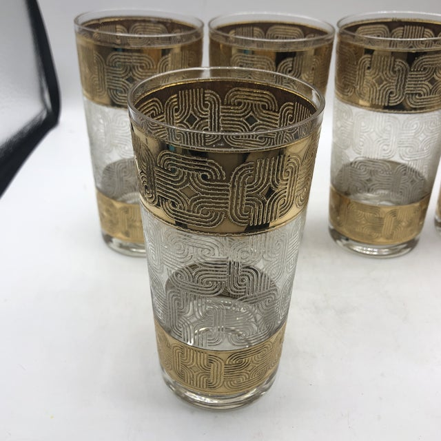 Amazing set of 5 glasses with an interlocking geometric pattern that screams 70s cool.