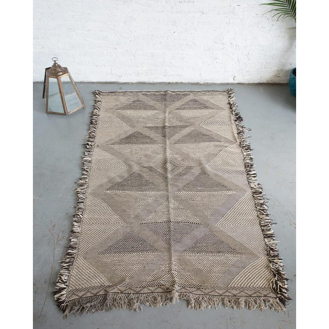 Black Double-Sided Natural Wool Zanafi Flat-Woven Moroccan Rug For Sale - Image 8 of 8