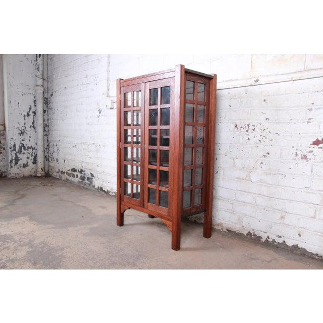 American Arts & Crafts Period Quartersawn Oak Bookcase, Circa 1900 For Sale - Image 9 of 9