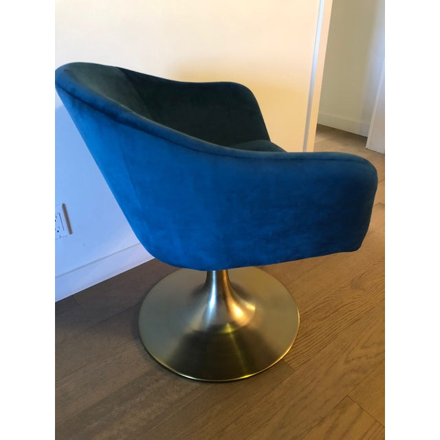 "Mid-Century Modern West Elm ""Bond"" Upholstered Swivel Chair For Sale - Image 3 of 7"