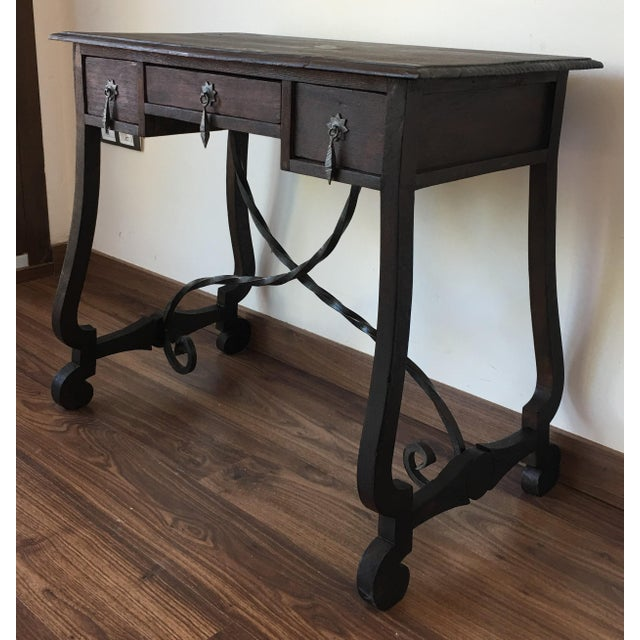 Exceptional Spanish 19th century side table with three drawers - Image 3 of 10