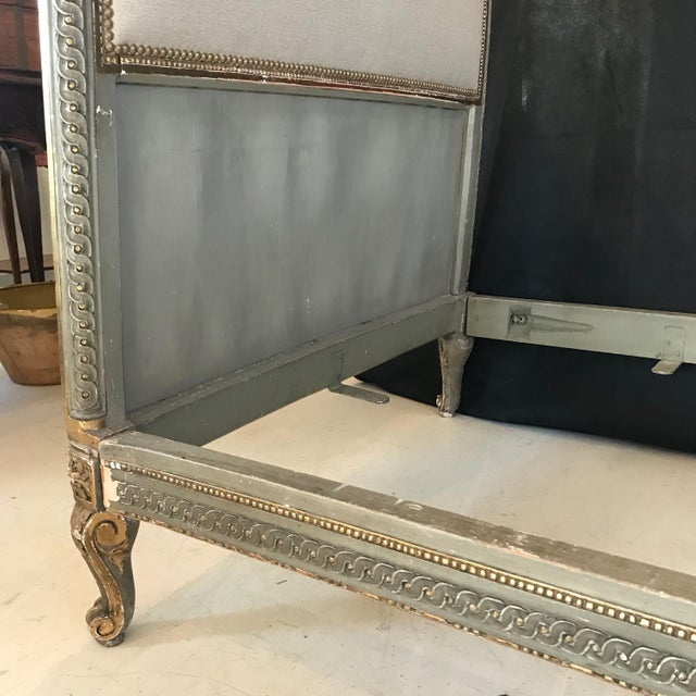 French 19th Century Louis XV Gray and Gilded Twin Bedframe For Sale - Image 3 of 13