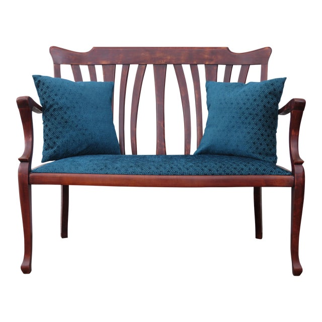 Different Types Of Sofa Settee Sock Arm: Antique Traditional Upholstered Settee