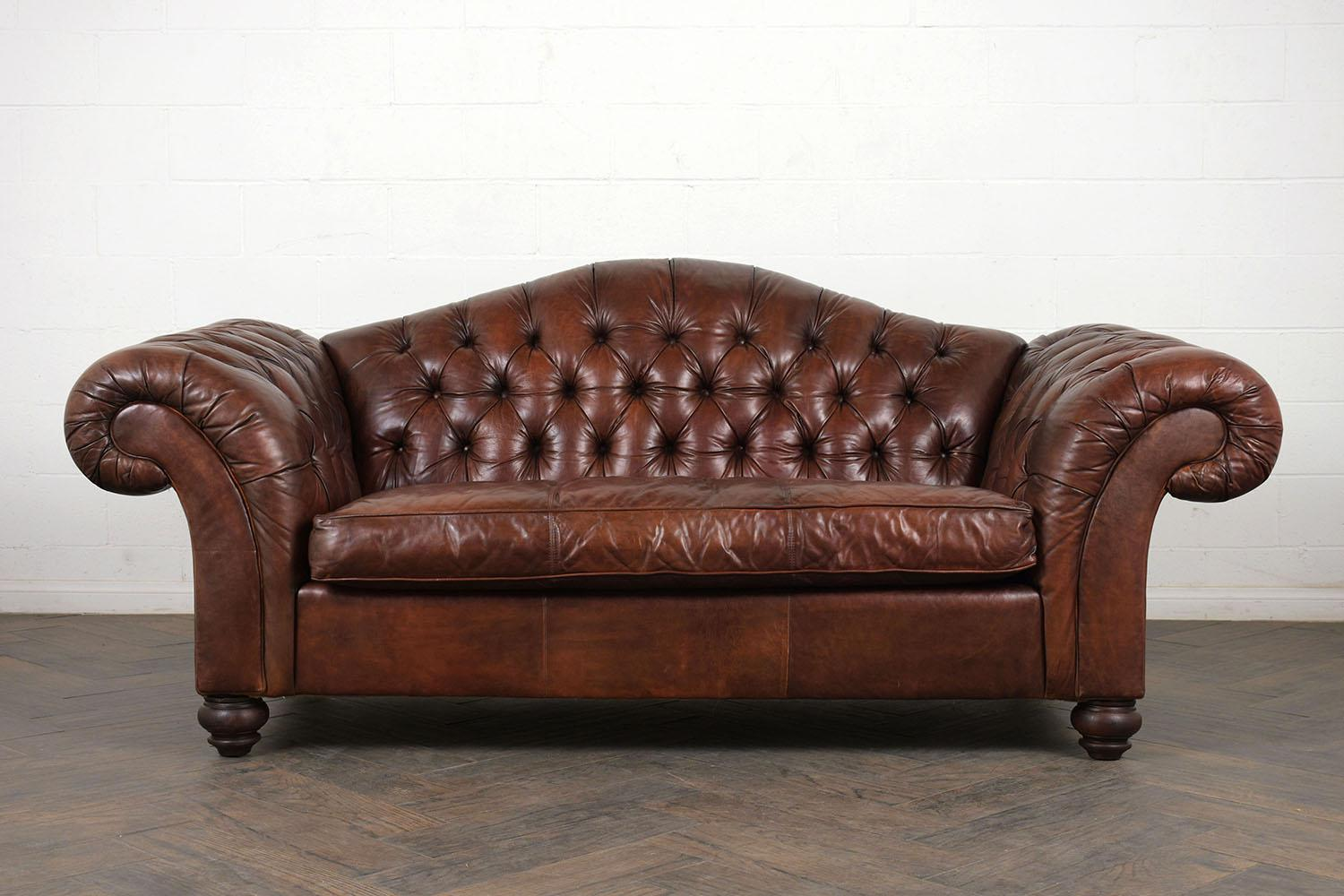 English Traditional Vintage Chesterfield Tufted Leather Sofa For Sale    Image 3 Of 10