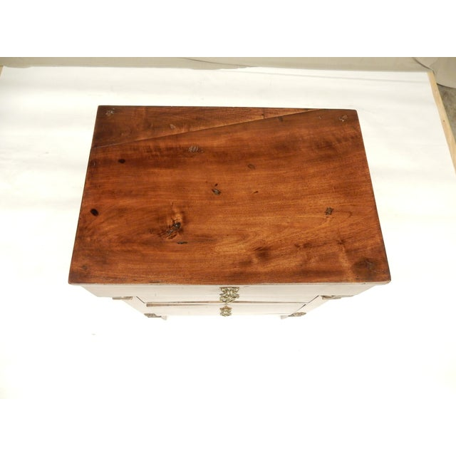 Early 19th Century Small Italian Walnut Commde For Sale - Image 9 of 11