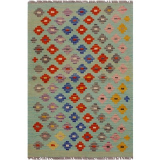 Boho Chic Kilim Delorse Lt. Green/Pink Hand-Woven Wool Rug - 2'6 X 3'9 For Sale