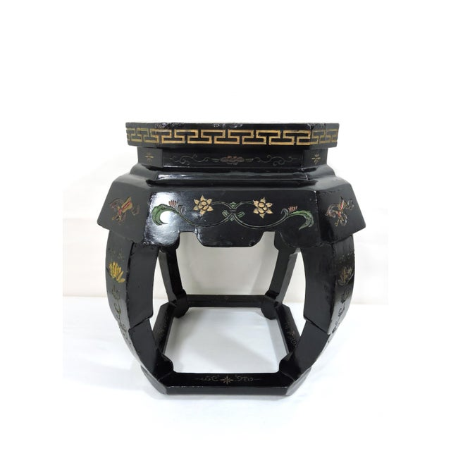 Vintage Chinese Black Lacquer 'Lotus Lake' Floral Stool / Side Drinks Table For Sale - Image 4 of 8