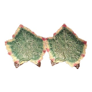 1980s Vintage Jay Wilfred Cottage Style Leaf Plates - A Pair For Sale