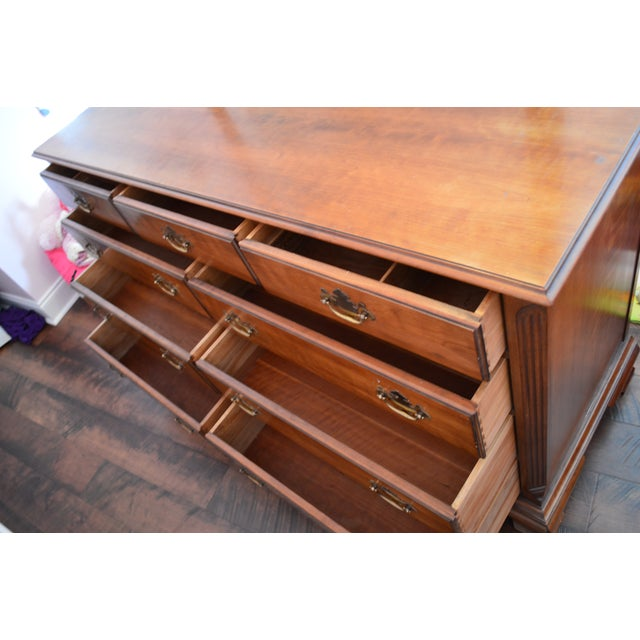 Brown 1950s Traditional Kindel Grand Rapids 9 Drawer Dresser With Attached Mirror For Sale - Image 8 of 13