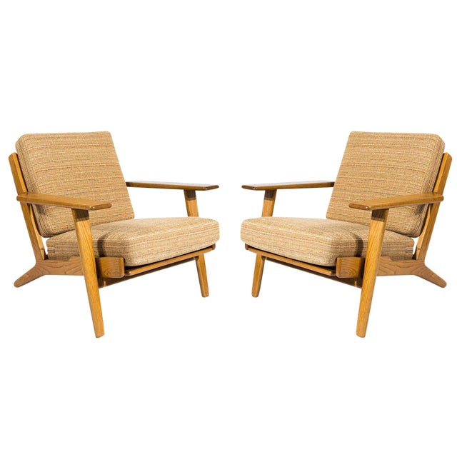Pair of Hans Wegner GE-290 Lounge Chairs For Sale