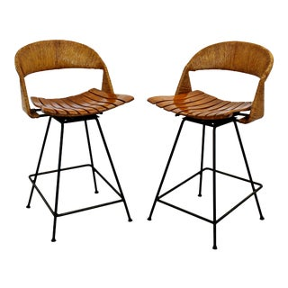 Mid Century Modern Arthur Umanoff Counter Height Rattan Bar Stools 1960s - a Pair For Sale
