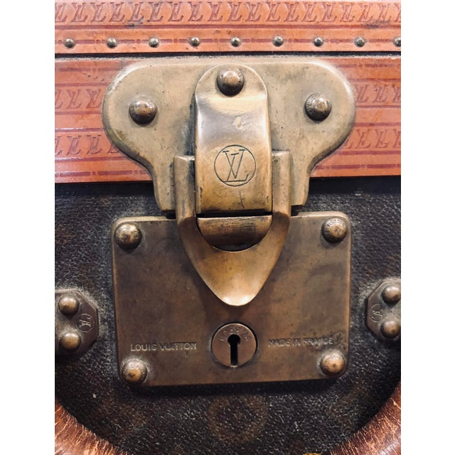 Victorian Early 20th Century Louis Vuitton Paris Monogram Canvas Trunk, Hard Suitcase For Sale - Image 3 of 13