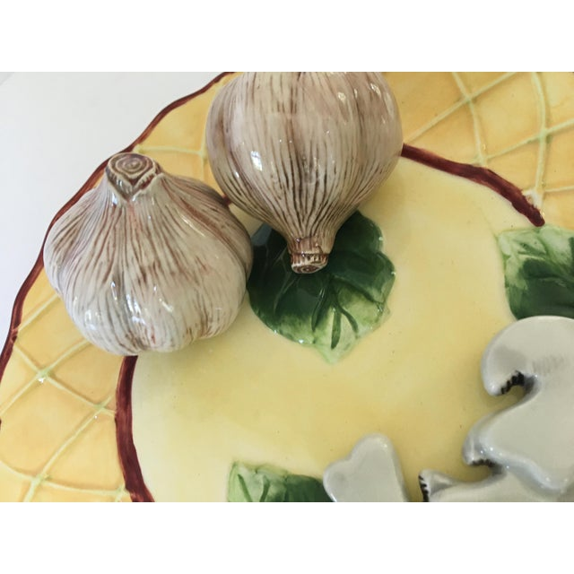 Late 20th Century Trompe l'Oeil Decorative Garlic Bulbs & Mushrooms Scalloped Plate For Sale - Image 5 of 8