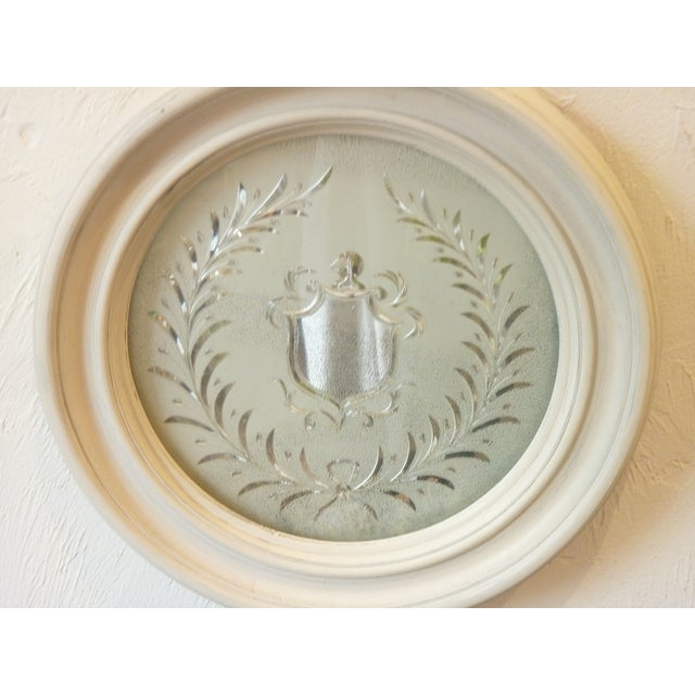English Heraldic Etched Round Mirror For Sale - Image 3 of 6
