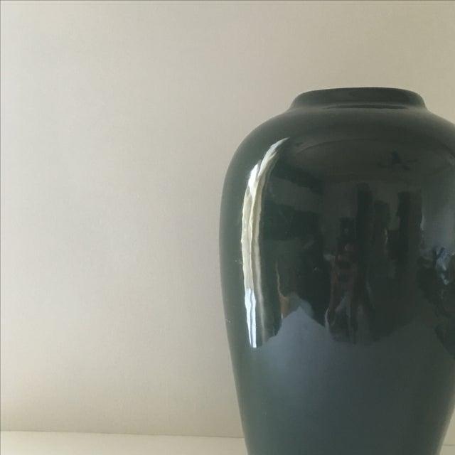 Hunter Green Ceramic Vase - Image 4 of 5