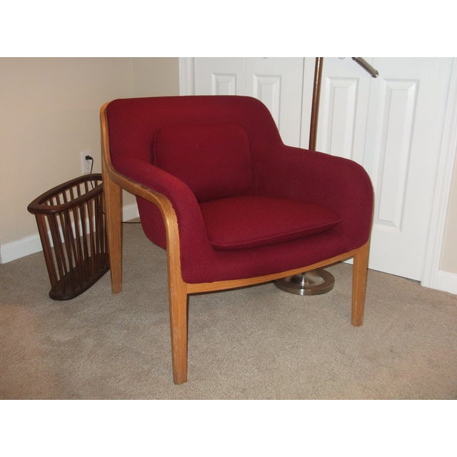 Bill Stephens for Knoll 1979 Vintage Lounge Chair. Bentwood natural oak frame. Upholstered in deep red original hopsack...